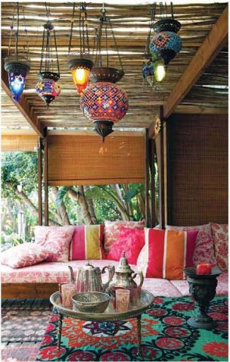 boho garden tea room with a middle eastern vibe | ◈ www.cosmicartandsoul.com ◈ | #cosmiclife #cosmicstyle