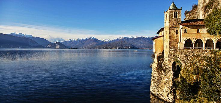 Eremo di Santa Caterina del Sasso Ballaro, Lago Maggiore.
