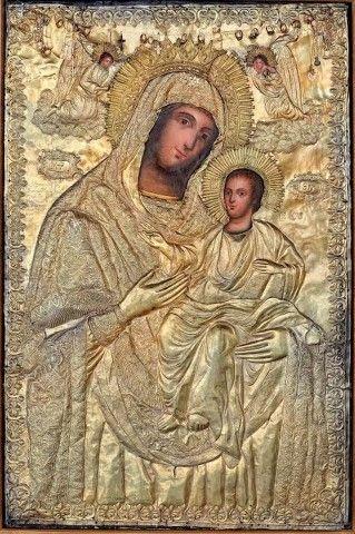 Ρίχνει ἕνας πονεμένος ἕνα βλέμμα στὴν εἰκόνα τοῦ Χριστοῦ ἢ τῆς Παναγίας καὶ παίρνει παρηγοριά.