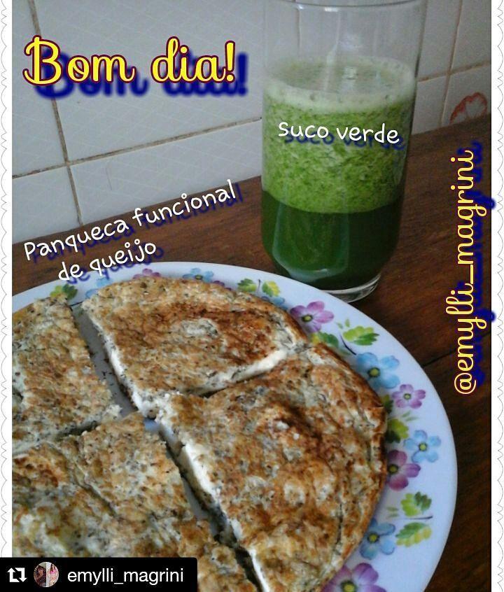 #Repost @emylli_magrini with @repostapp  Bom dia! E assim começou minha manhã de domingo: super nutritiva e no foco. Panqueca Funcional de Queijo 02 ovos 1 colher (sopa) de creme de ricota ou cottage ou requeijão light 1 fatia de queijo branco de sua preferência (usei ricota) 01 colher (sopa) de farinha de linhaça 01 colher (sopa) de chia Orégano à gosto 01 colher (chá) de fermento em pó bata tudo com o auxílio de um garfo. Pré aqueça uma frigideira antiaderente. Coloque a massa e quando…