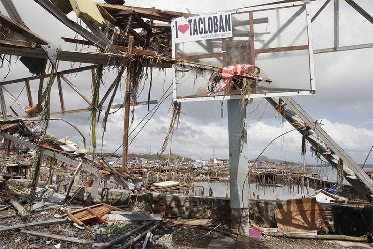 Tacloban City, le 10 novembre 2013, deux jours après le passage du typhon.