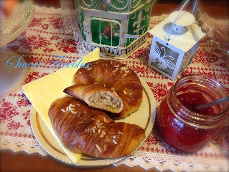 Sweet Fireblue: Cornetti sfogliati di Beppe Allegretta con pasta madre