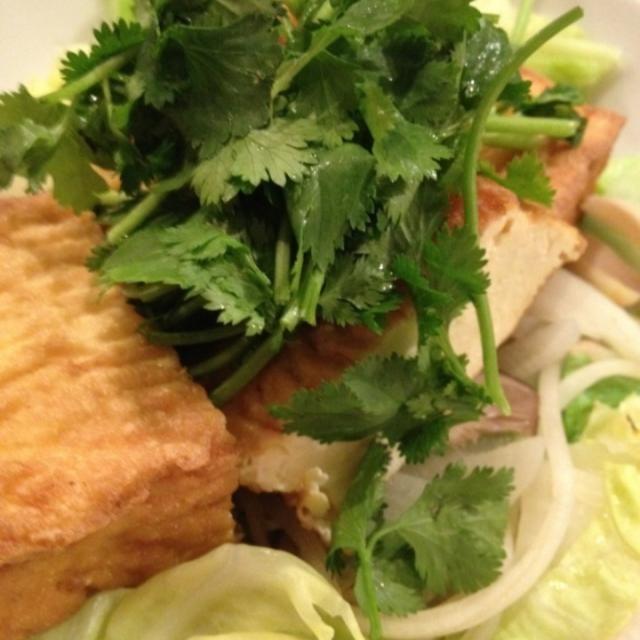 温野菜たっぷり(^-^) - 7件のもぐもぐ - 厚揚げサラダ。マレーシア風ピーナッツソース。 by popo0119