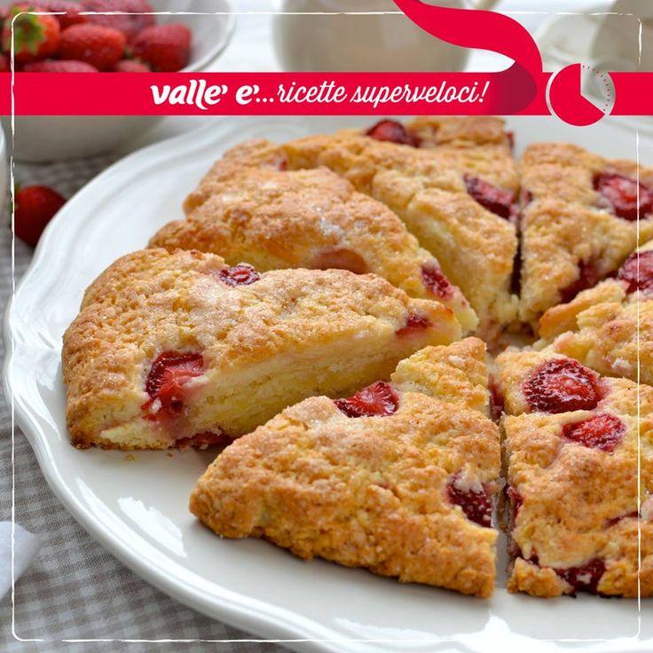 Il dolce rustico panna e fragole è presto pronto, anche per le merende improvvisate!