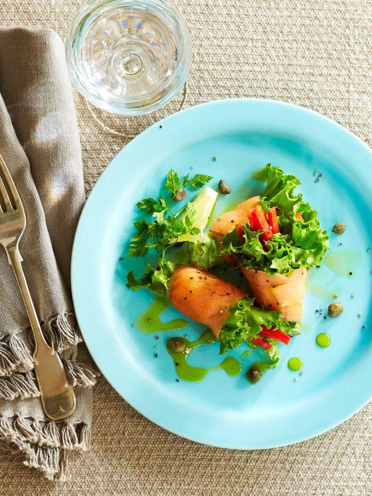 【ELLE a table】スモークサーモンのサラダロール アボカドオイル添えレシピ|エル・オンライン
