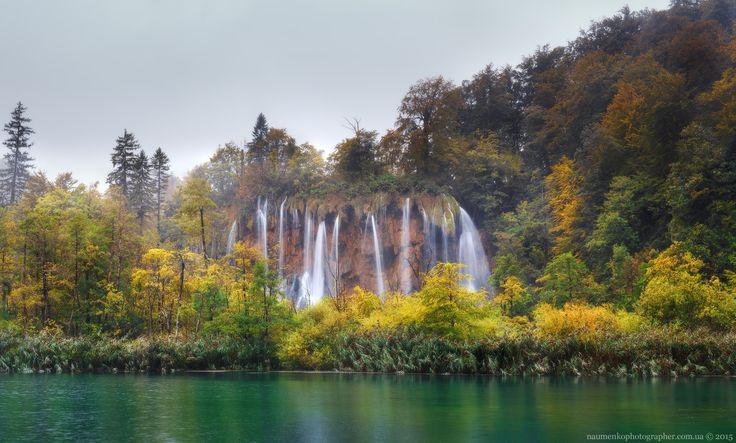 Croatia. Autumn in the Plitvice Lakes - Panorama 9 horizontal frame in 3 rows. Sony A7R + adapter Commlite EF-NEX for Canon EF + Canon EF 100-400mm f / 4.5-5.6L IS II USM. Copyright © 2015 Naumenko Aleksandr http://naumenkophotographer.com.ua/