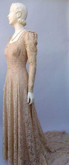 FC0474 Dress, lace wedding gown, worn by Binty Mustard, October 2, 1942 in Epsom, Surrey, UK