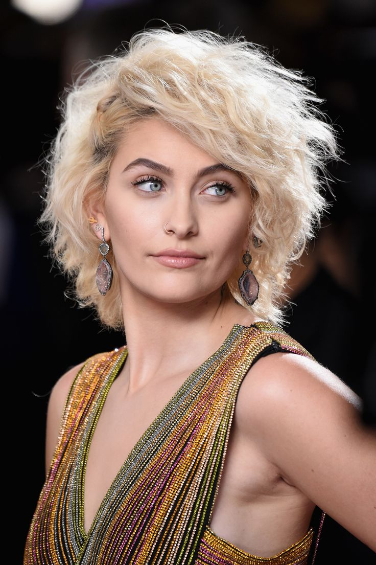 Paris Jackson Didn't Wear Eyeshadow to the Grammys So She Could 'Scratch' Her Eyes