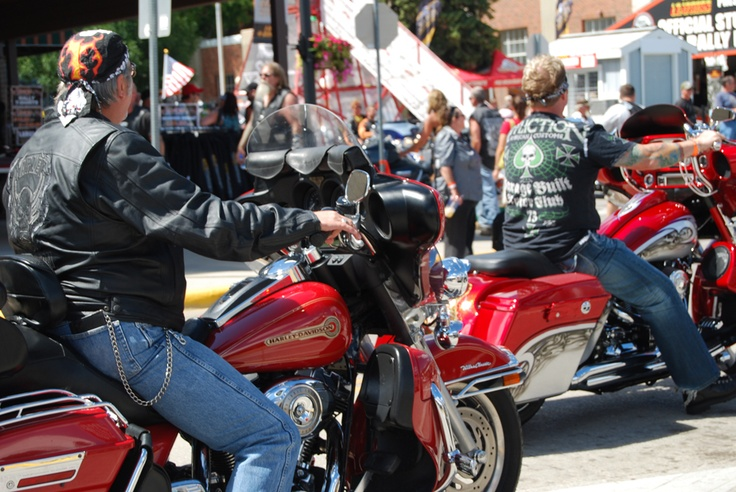 Photo Gallery of Sturgis Motorcycle Rally 2012 - Photos From Downtown Sturgis, August 4, 2012 | Motorcycle Blog of Leatherup.com