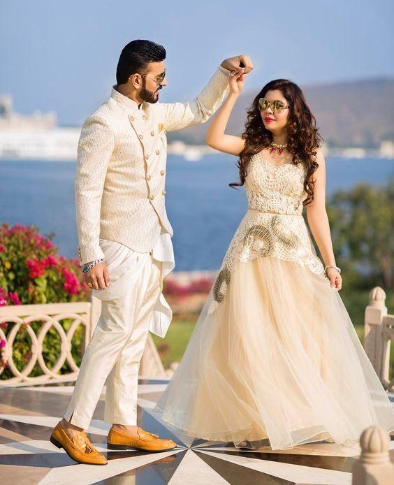 50 Best Engagement Songs Hindi In 2020 Couple Wedding Dress Wedding Photoshoot Poses Wedding Couples Photography नई जीवन की नई धारा है, तुम दोनों का साथ बहुत प्यारा है, जीवन तुम्हारा खुशहाल रहे, सदा दोनों का प्यार बना रहे। pinterest