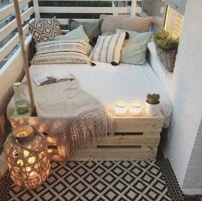 Fabulous-Spring-Balcony-Decor-Ideas-06-1 Kindesign