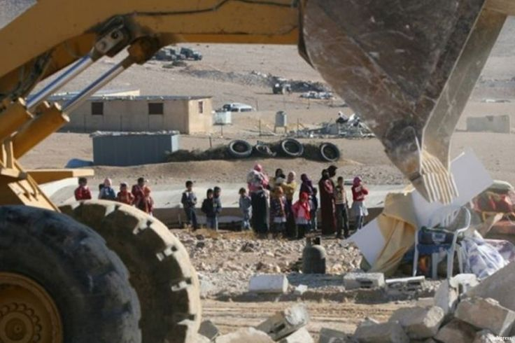 """Israel demolishes Bedouin village for 115th time http://betiforexcom.livejournal.com/26015859.html  Israeli bulldozers backed up by police officers demolished the village of Al-Araqeeb in the Negev Desert for the 115th time today in an attempt to expel the residents and confiscate their land, Arab48 has reported. The village is one of many which are """"unrecognised"""" by the Israeli government.The police officers were backed-up by Special Forces and representatives of the so-called Israel Lands…"""