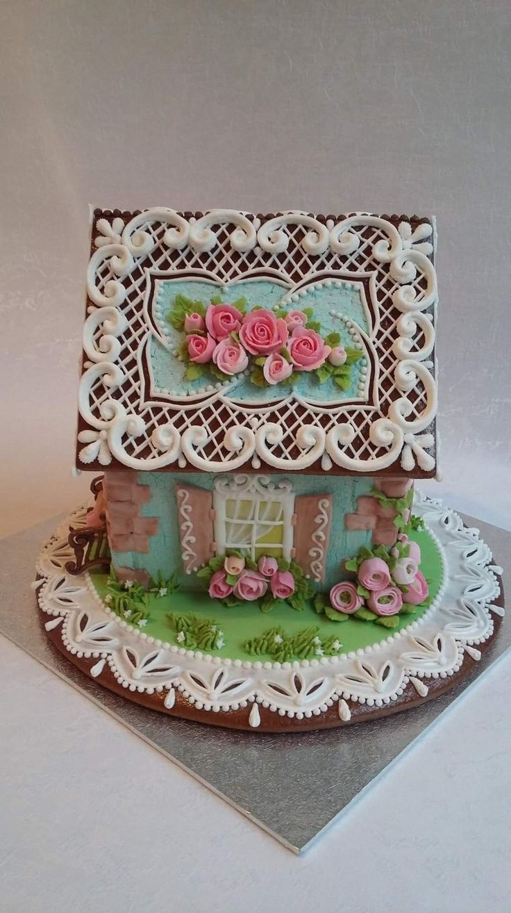 GINGERBREAD HOUSE~ HOUSE WITH ROSE ROOF