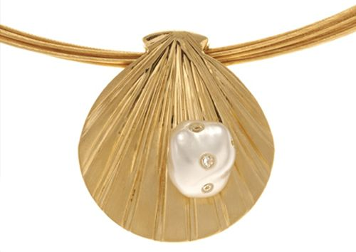 Stunning pearl and diamond jewellery