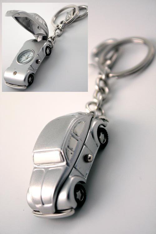 Llavero-reloj. Regalo ideal para los amantes de los coches antiguos.