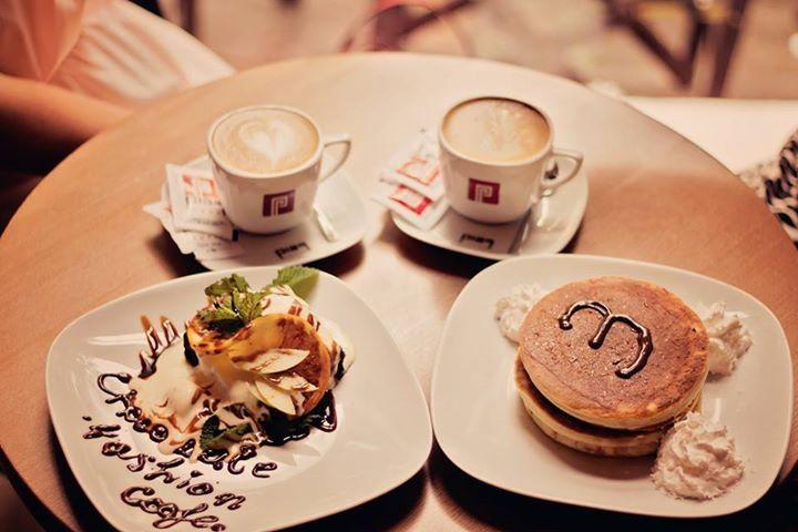 coffee, breakfast, morning, blogging http://chocolatefashioncoffee.blogspot.ro/