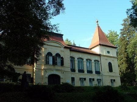 Almássy kúria Felsőpetényben