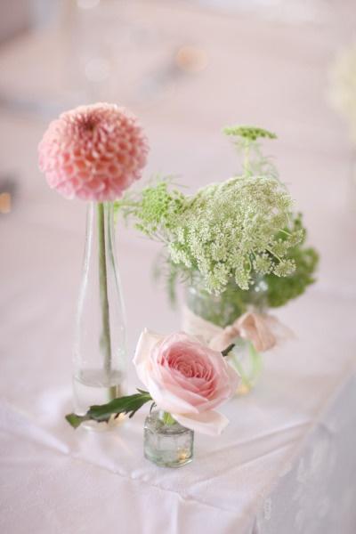 #wedding #budget friendly idea #des soliflores récupérés, quelques fleurs seront du plus bel effet