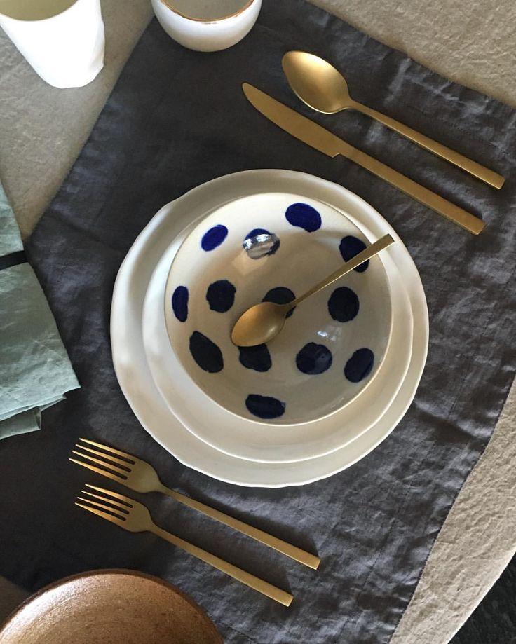 Table setting at elph store Paddington ✨ #ceramics #handmade #blueandwhite #tablesetting #linen #paddington #sydney
