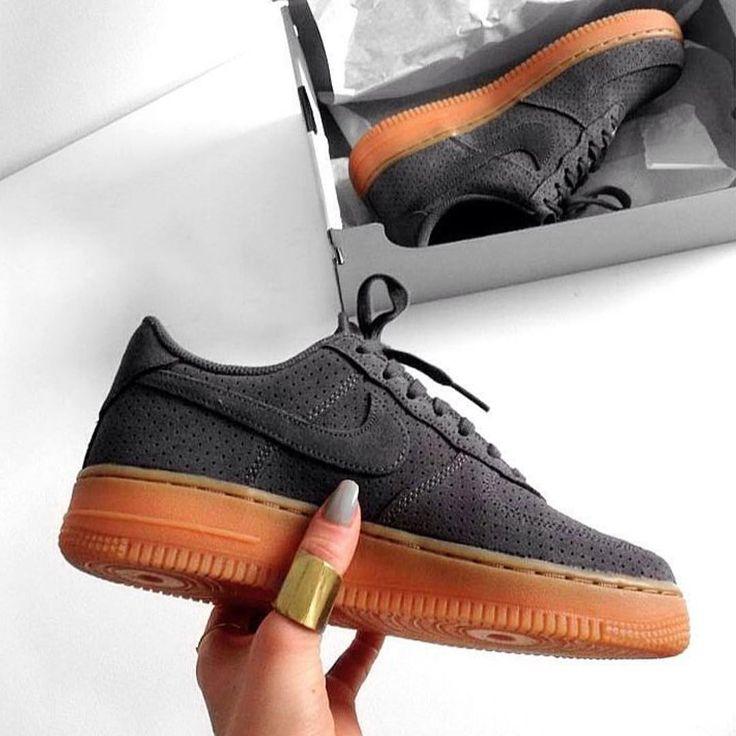 Sneakers women - Nike Air Force 1 low suede grey (©endzel_)