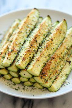Frituras de calabacines horneados con queso parmesano:   27 de las cosas más deliciosas que puedes hacer con verduras