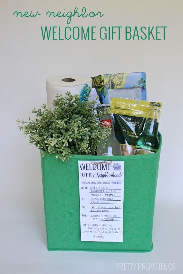 New neighbor gift basket - practical things! Plus a printable card to write recommendations for your fave places in town and local tips!