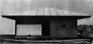 から傘の家/篠原一男/1961/「民家はキノコである」(篠原一男)『住宅建築』(紀伊國屋書店.1964)「民家を意識的な造形であるよりは無意識的な、すなわち、自然現象に近いものと考えることが民家にとって正しい評価である」(p.50)