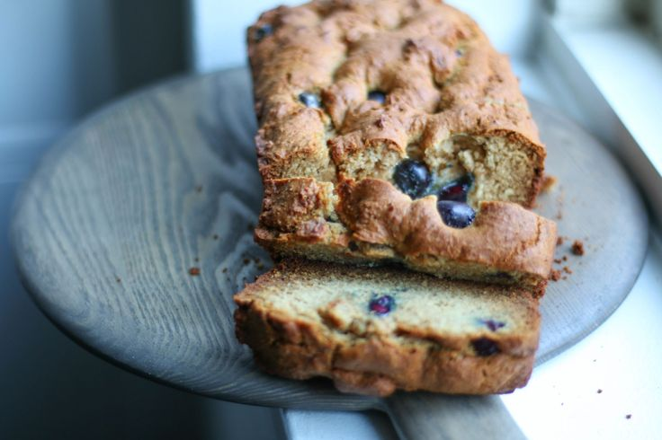 Almond and blueberry loaf