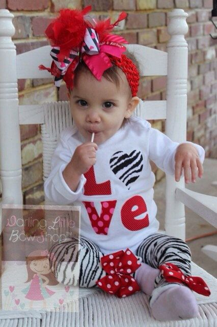 Baby Girl Valentines Day Outfit READY TO by DarlingLittleBowShop