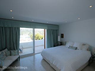 Puerto Andratx 4 bed Villa master bedroom with amazing views in Mallorca
