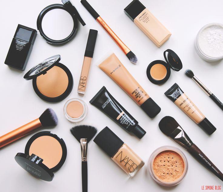 «Quel pinceau de maquillage pour quel usage?», voilà une question qui tape souvent à la porte du Simone Blog et s'invite à la table du Help, Simone! Un vaste sujet que nous aurons l'occasion de décliner en plusieurs volets. On commence par le choix des pinceaux pour bien se maquiller le teint. Comment choisir ses…