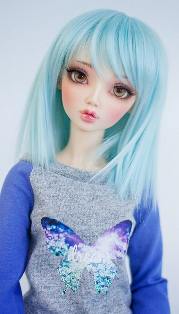 Um, hi, I'm Sapphire, my friends call me shy sky. I live in a shack in the woods but still go to school.