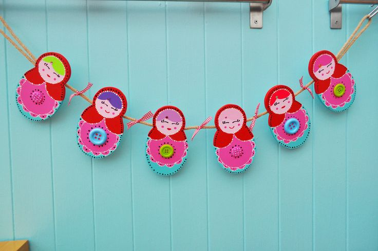 russian doll bunting .. need this for when Leila gets her own room =)