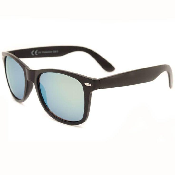 """Γυαλιά ηλίου Wayfarer, με 100% UV400 προστασία. Διαλέξτε ένα από 4 χρώματα φακών """"καθρέφτες"""" για το μαύρο σκελετό τους. ΜΟΝΟ με 14,90€, θα τα λατρέψετε!"""