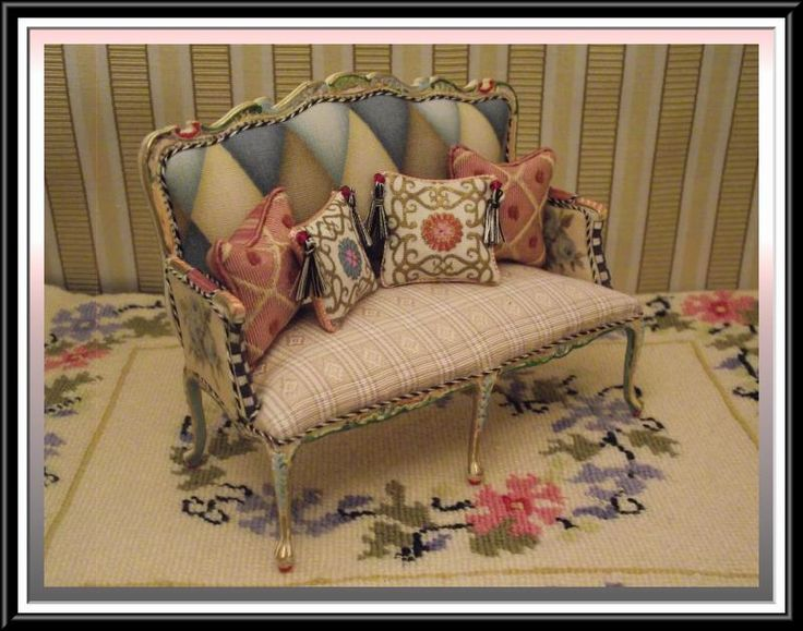 This Adorable Settee Was Done In Mackenzie Child Like Design...Features An  Explosion