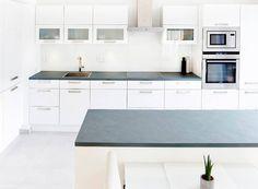 Küche Mit Einer Grauen Schiefer Arbeitsplatte   Jaddish Schiefer