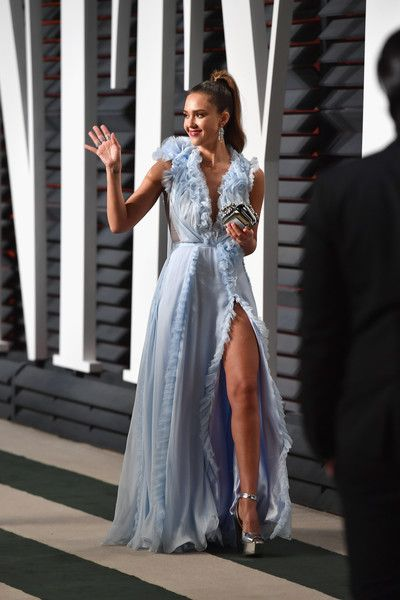 Actor Jessica Alba attends the 2017 Vanity Fair Oscar Party hosted by Graydon Carter at Wallis Annenberg Center for the Performing Arts on February 26, 2017 in Beverly Hills, California.