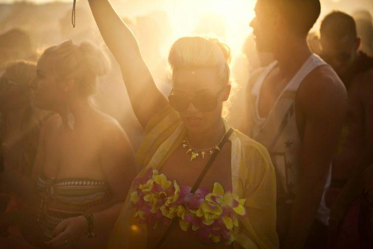 #Despedidadesoltera en #Ibiza por la noche, un mar de fiesta en las mejores #discotecas y #clubs #islapitiusa