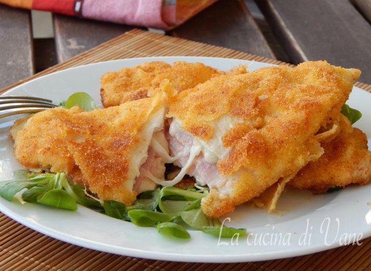 Cotolette di pollo al latte con prosciutto e mozzarella