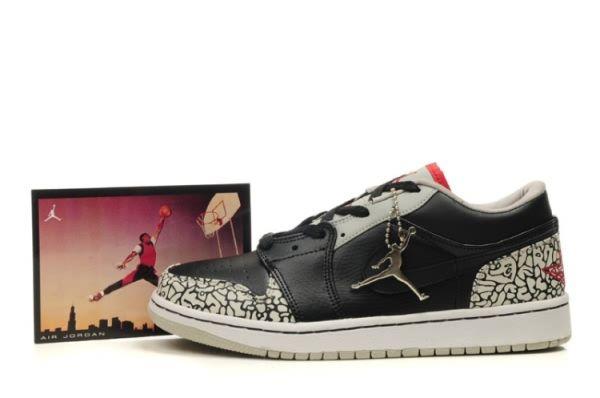1653 Air Jordan Retro 1 Low Shoes Mens Black White Online 98421