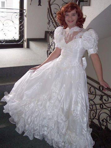 590a8e6ac4397ed11a520dfece4eb1a1  beautiful bride beautiful dresses
