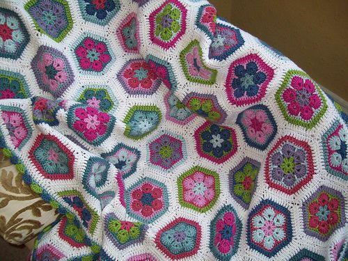 African Flower Crochet Baby Blanket Pattern : 17 Best images about Afrikanska blommor on Pinterest