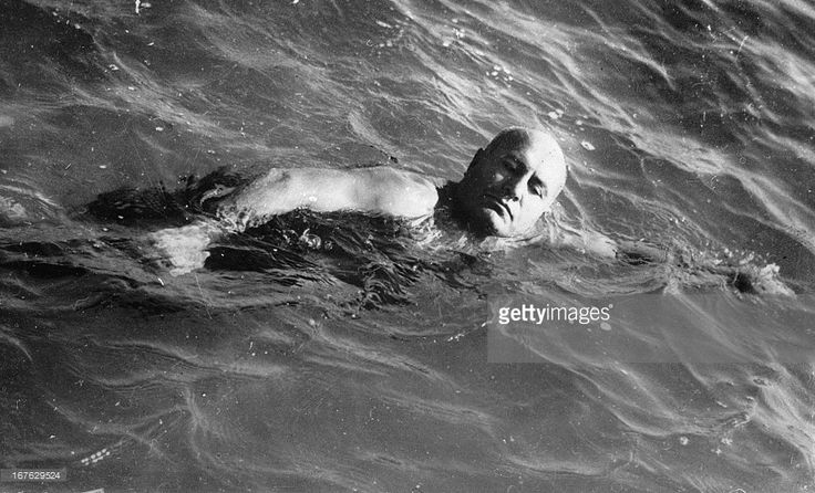 <a gi-track='captionPersonalityLinkClicked' href=/galleries/search?phrase=Benito+Mussolini&family=editorial&specificpeople=90389 ng-click='$event.stopPropagation()'>Benito Mussolini</a> swims in Rom. Photograph. November 2nd 1934. (Photo by Imagno/Getty Images) <a gi-track='captionPersonalityLinkClicked' href=/galleries/search?phrase=Benito+Mussolini&family=editorial&specificpeople=90389 ng-click='$event.stopPropagation()'>Benito Mussolini</a> beim Schwimmen. Photographie. 2.11.1934.