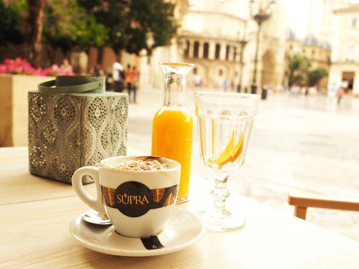 TerezaInOslo: Valencie, Španělsko - to jsou zelené olivy, oranžové pomeranče a květinové závěje