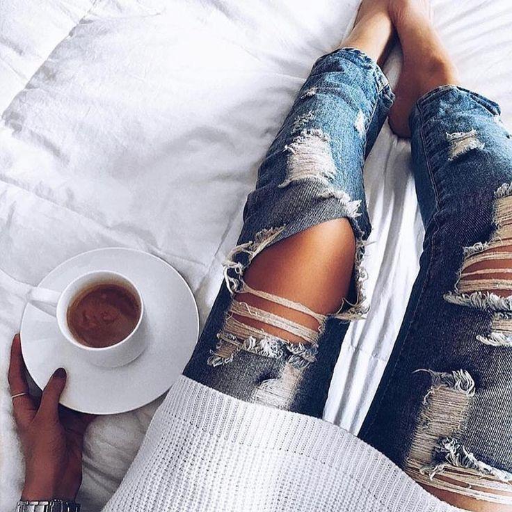 """Udanego dnia Lejdis!!! #perfect #happy #monday #coffee #time #beatiful #day #sunnyday #lovleyday"""