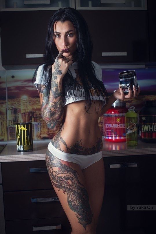 Татуированная латинка фото #1
