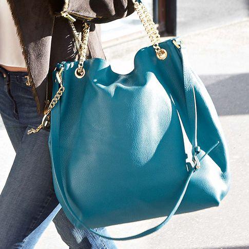 Sommerfeeling mit der Handtasche von MICHAEL MICHAEL KORS.