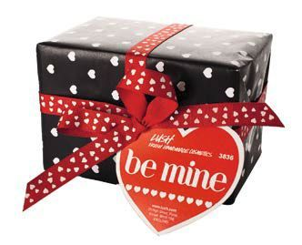 LUSH - NEW! Be Mine gift ($29.90) Three luxurious treats for the body; a scrubby soap, a sensual massage bar, plus our award-winning Ro's Argan Body Conditioner. Gift contents: Porridge soap, Soft Coeur massage bar, Ro's Argan Body conditioner 45g.