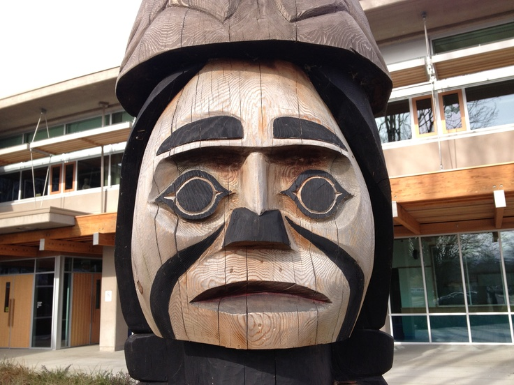Totem at Duncan's Vancouver Island University