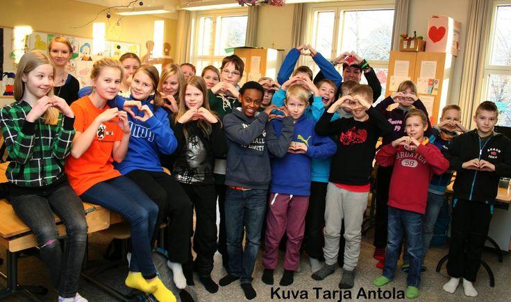 ViisAat ei kiusaa. Arvo Ylpön koulun vitoset<3 Hyväntekeväisyys kampanja, jossa olimme mukana. www.somemore.fi